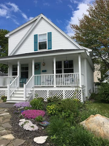 Victory Cottage - 3 bed- Willard Square/Beach Area