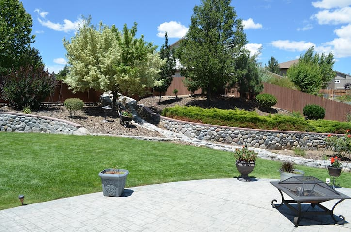 Mount Rose spacious executive home - Reno - Huis