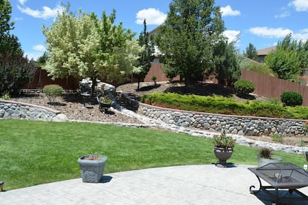 Mount Rose spacious executive home - Reno