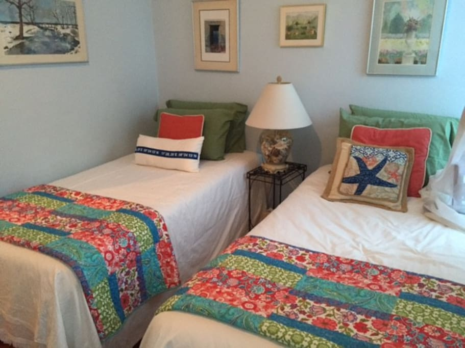 Twin beds in bedroom 2