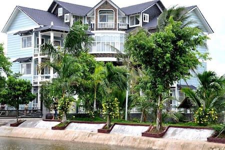 Mekong Delta Riverside Ben Tre, The ideal Escape - Villa