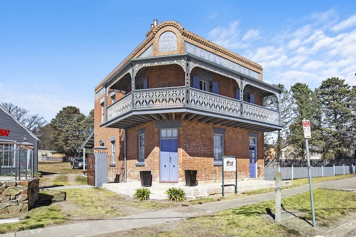 The Old Royal Hotel Marulan 3 Bedroom Whole House