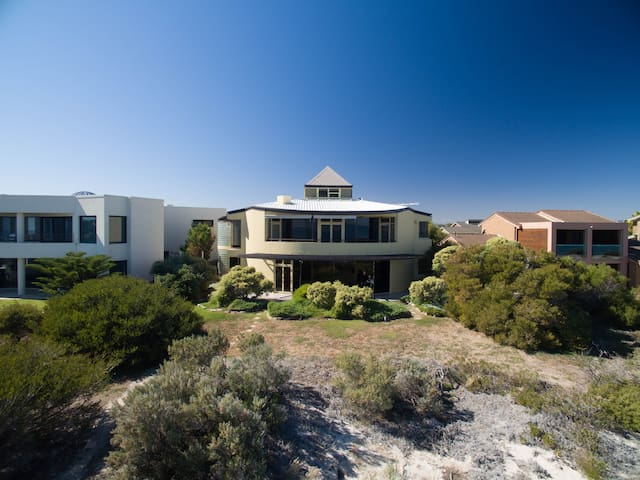 Absolute Beachfront Home - West Lakes Shore - House