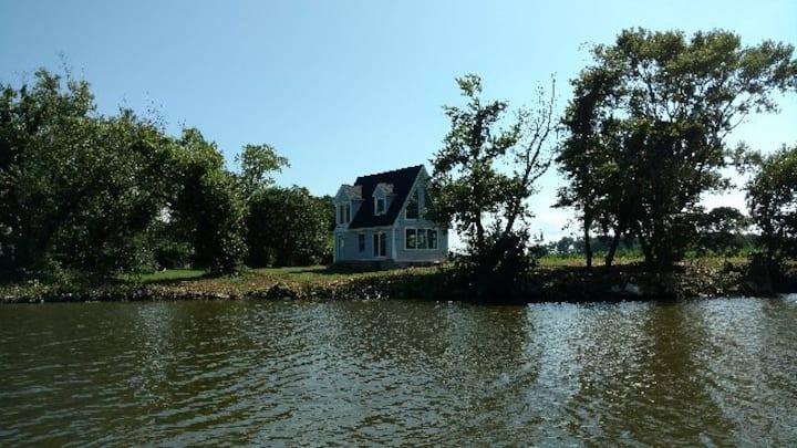 Cottage on Cabin Creek