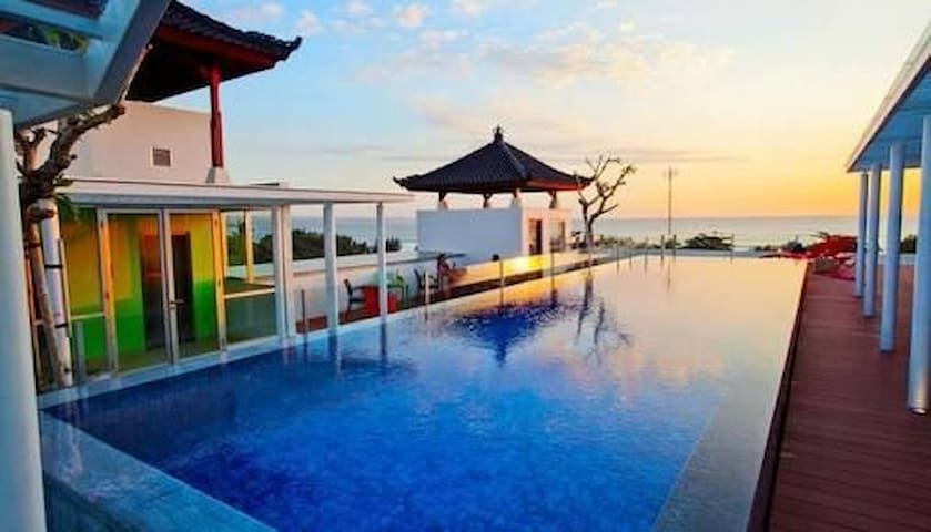 AUM Kuta Beach Cozy Hotel Rooftop Swimming pool BW