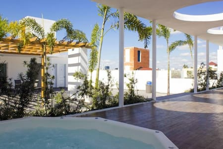 Paradise in Santo Domingo with rooftop Jacuzzi..!!