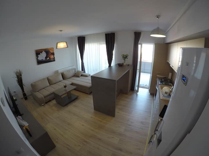 Lovely brand new apartment 5mins from city center