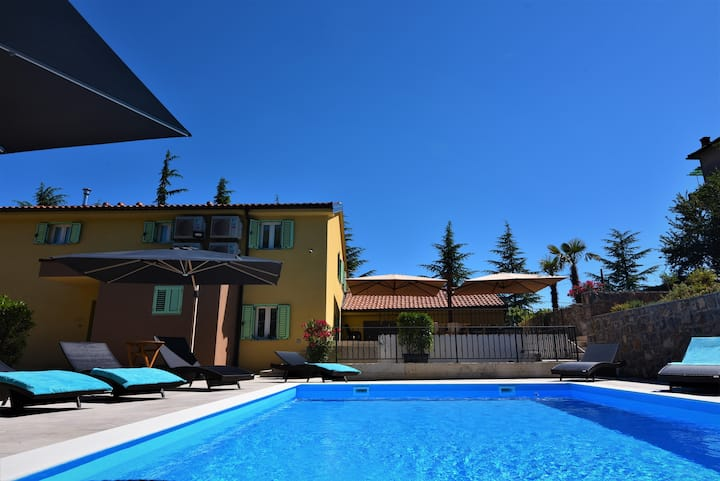 Room 1 - Letorina room with pool, Matulji-Opatija