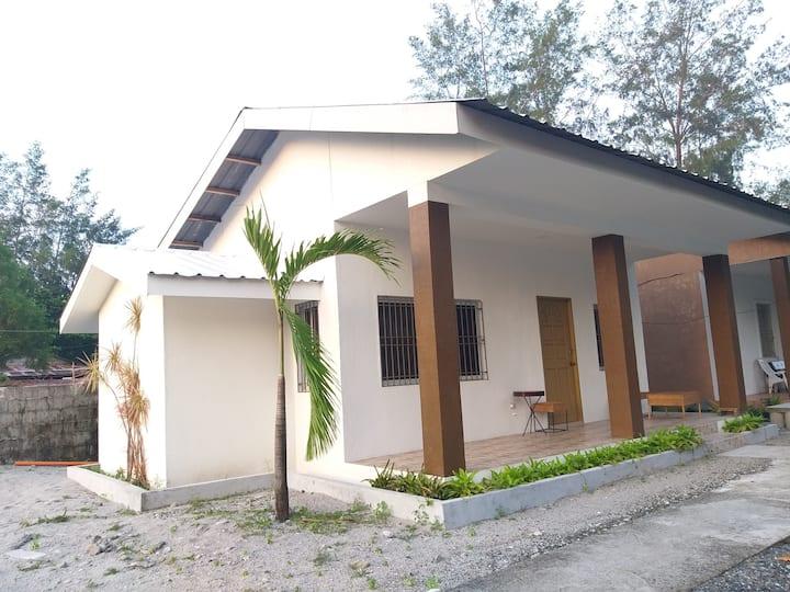 (Balai 3) ZamBalai Guesthouse - Cozy beach house