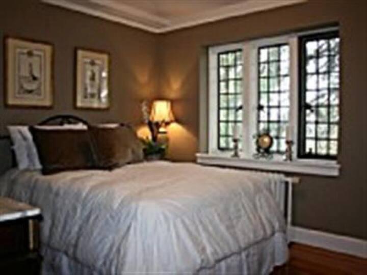 Renaissance Room at Skylands Manor