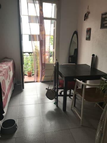 Habitación privada en Montjuic