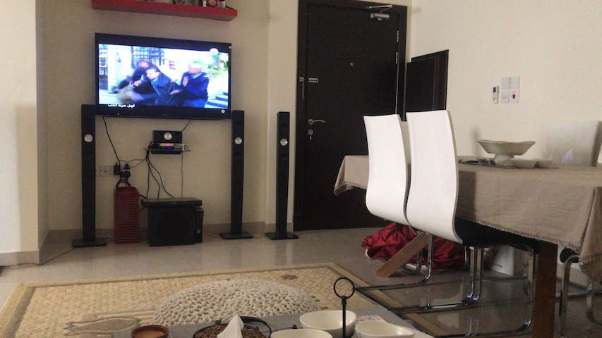 Furnished Room in Spacious Flat Excellent Location