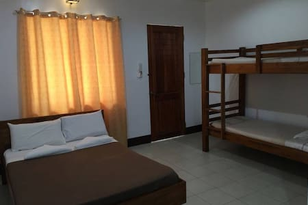 Villa Estela, Family room 1 queen bed, 1 bunk bed,