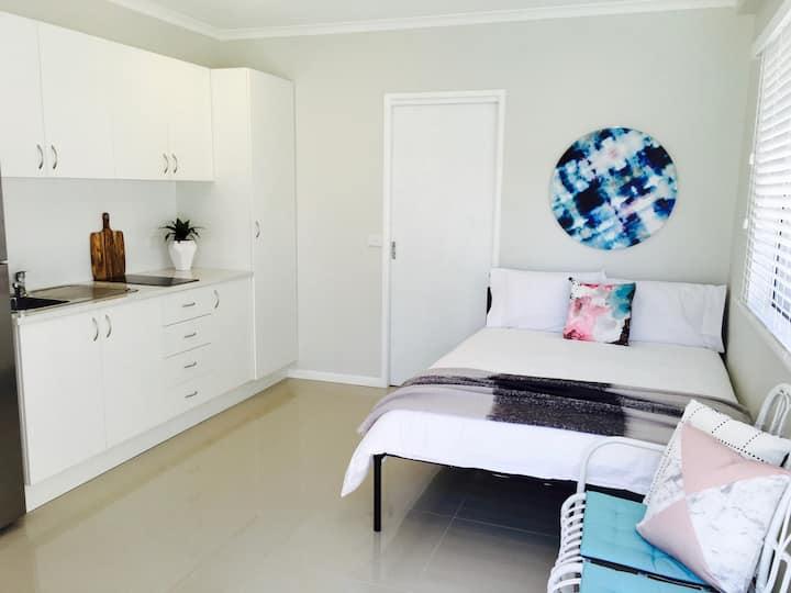 Cairns Studio Guest House