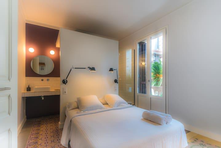 Cozy design room with private bathroom