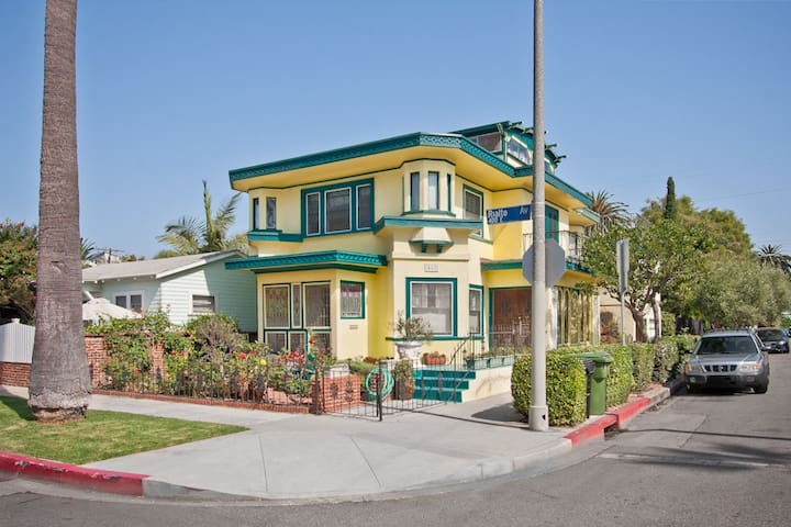Most Historic House In Venice Beach Houses For Rent In