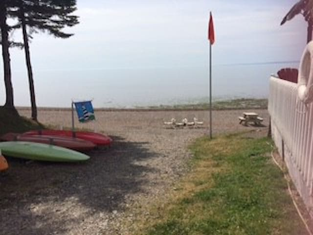 Roulotte dans camping direct sur la plage