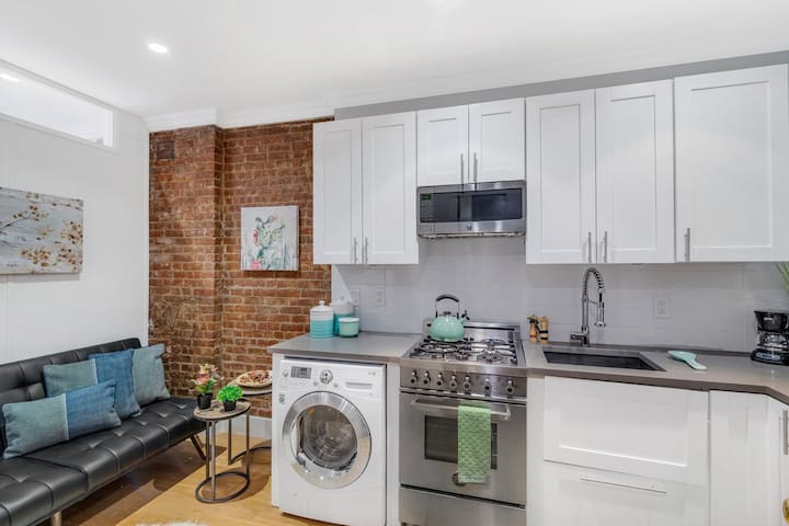 Gorgeous 2BR Apartment in Manhattan Center