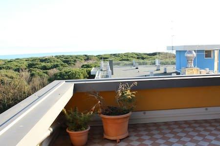 Top Floor Attic w/ Sea View - Eraclea Mare