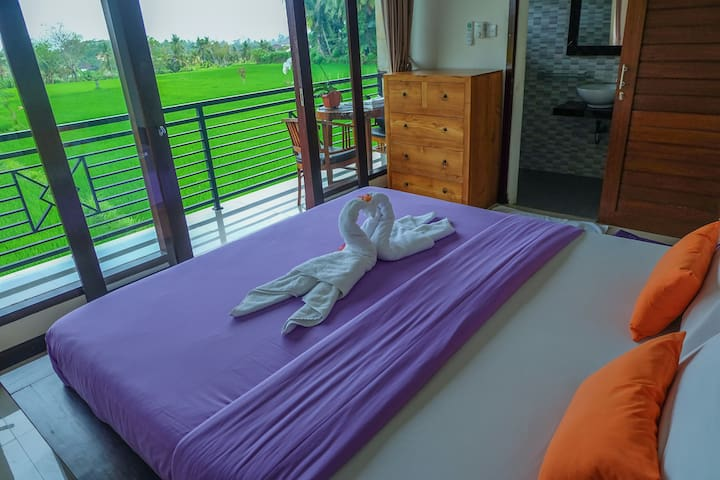Putra Homestay with rice fields view & AC