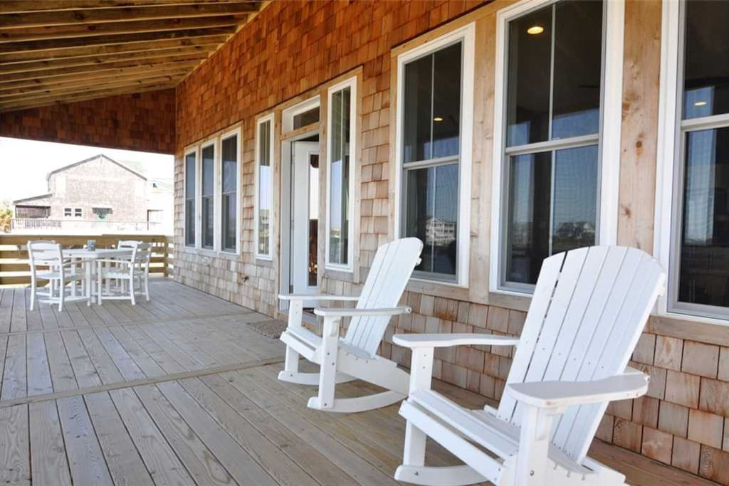 LC01: The Boat House   Deck