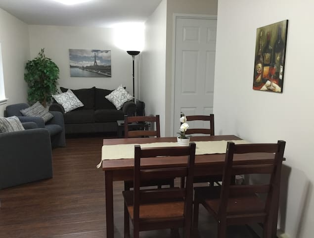 INGERSOLL, ON. Fresh, Clean + Practical Studio Apt - Ingersoll - Apartament