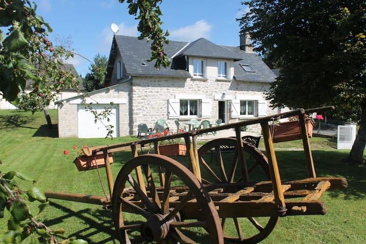 Gîte Millevaches Monédières - Bonnefond - Huis