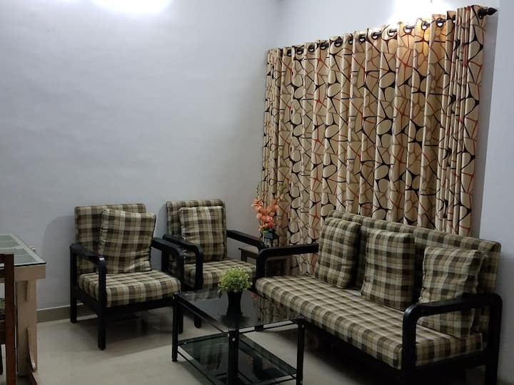 3 bed air conditioned home with all amenities