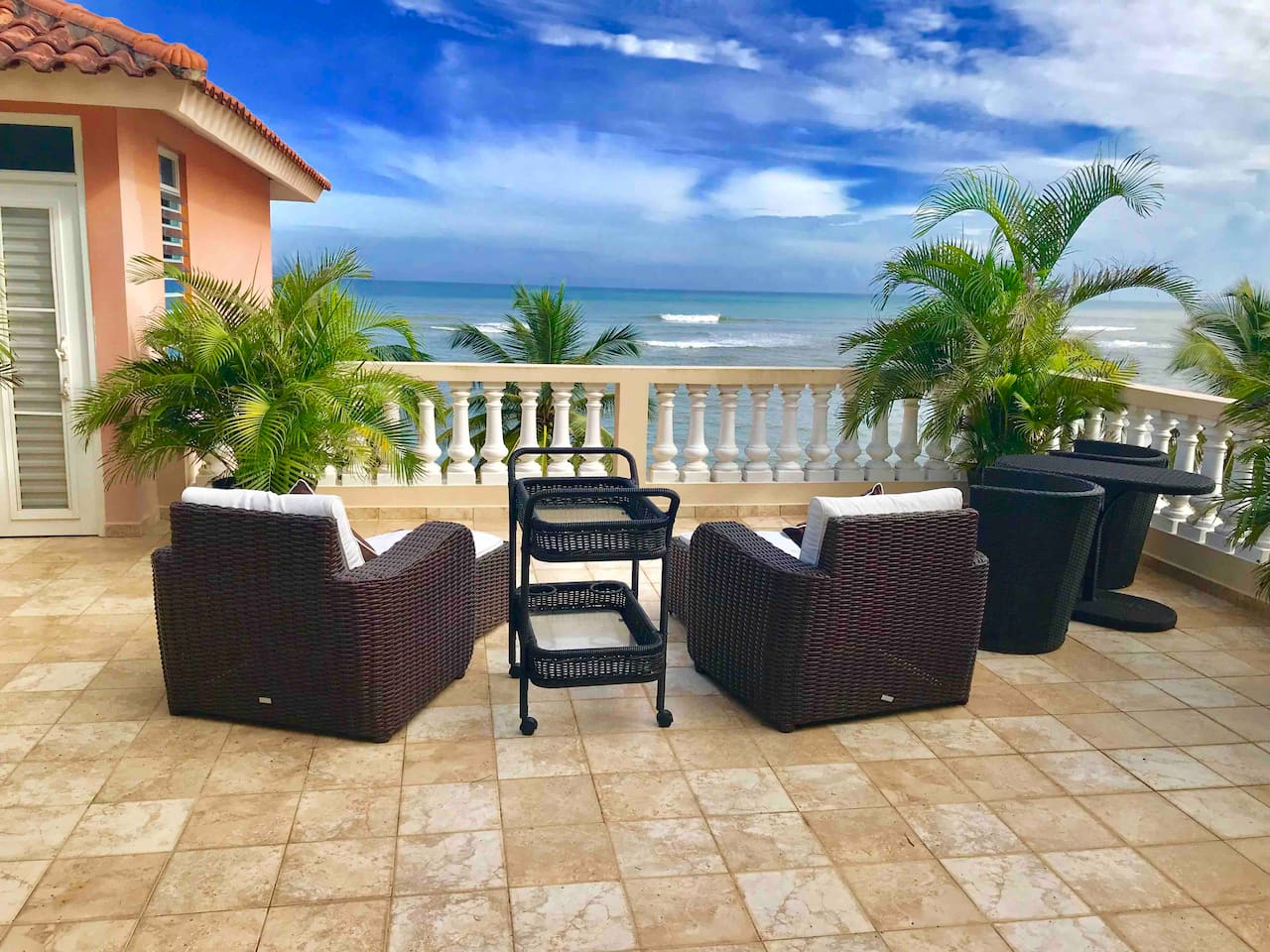 Enjoy the soul soothing sounds of the surf and panoramic views of the ocean from the spectacular private 4th rooftop terrace! And it's all yours.