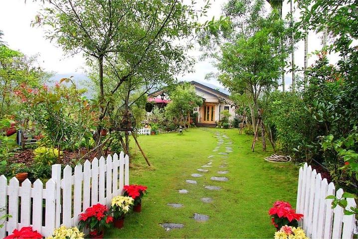靜廬  9號省道上美麗的庭園民宿(一人一床) - Ruisui Township - Vila