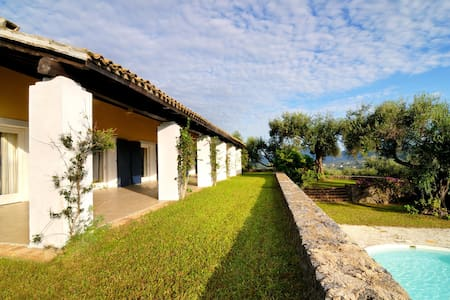 HISTORIC VILLA AND PRIVATE POOL - Corfu - Villa