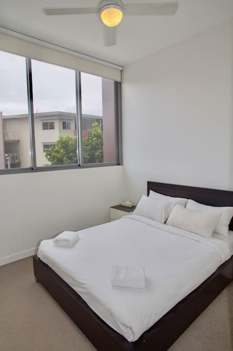 Master Bedroom - Queen Bed + Aircon