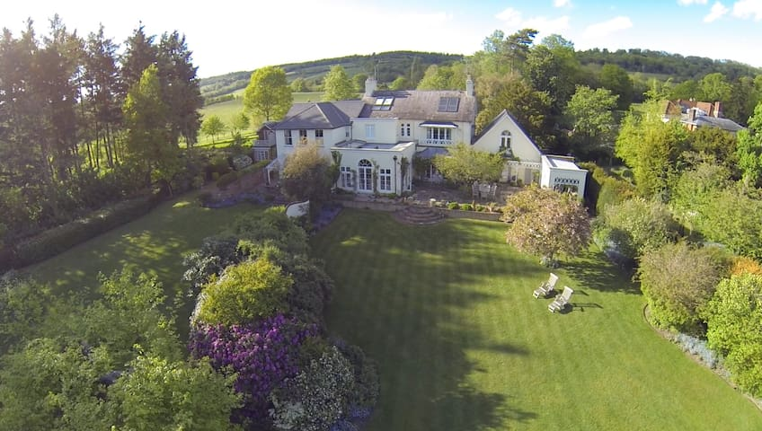Magnificent Country Home in the Hills!! :) - Shere - Ev