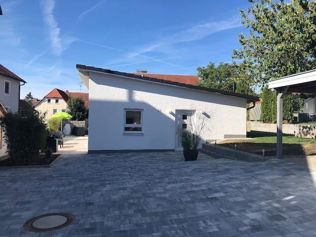 Ferienhaus Köppel (Bad Staffelstein), Ferienhaus Köppel (72qm) mit moderner Einrichtung, Garten und Terasse