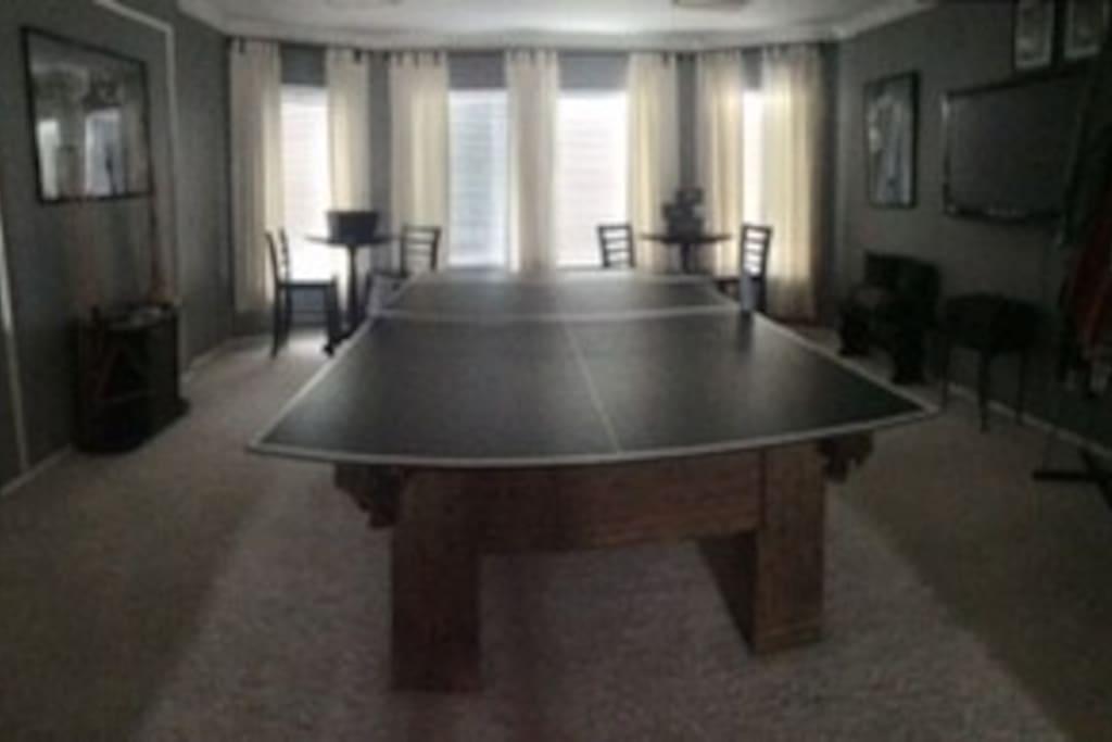 Pool/Ping Pong Game room