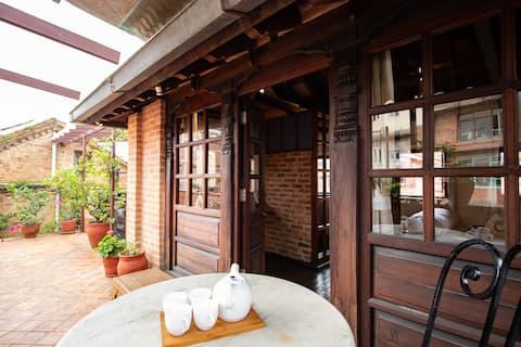 Sunny Attic room in beautiful Newari House