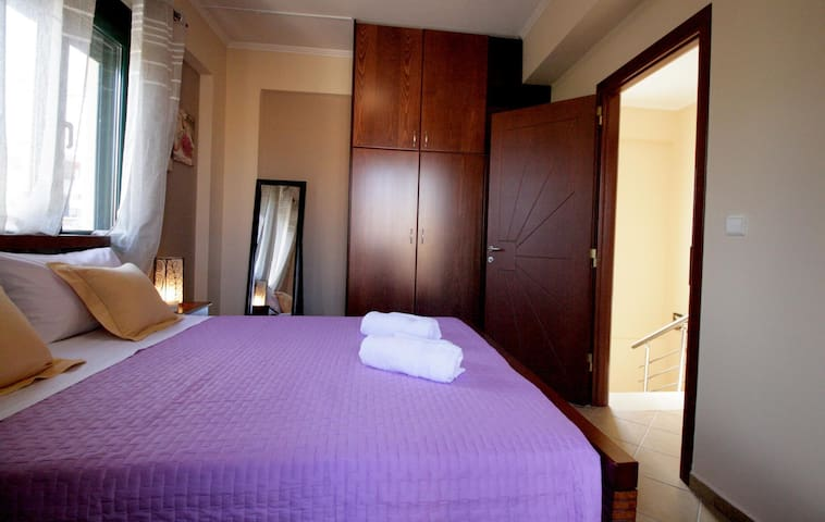 Cosy 2-bedroom, Ideal for Family or Couples, House - Kounoupidiana - Talo
