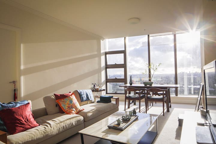 Relaxing Chic Modern Apartment Sydney Olympic Park