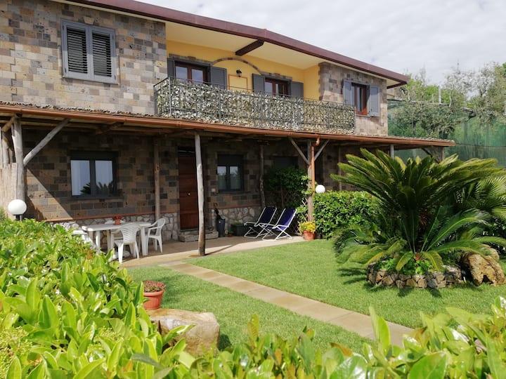 La Casa del Ciliegio-Ischia's Apartment