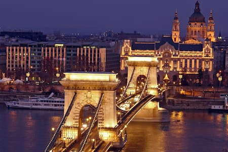 HUGE SALE FOR FEBRUARY 26, 27, 28! $13/NIGHT! - Budapest