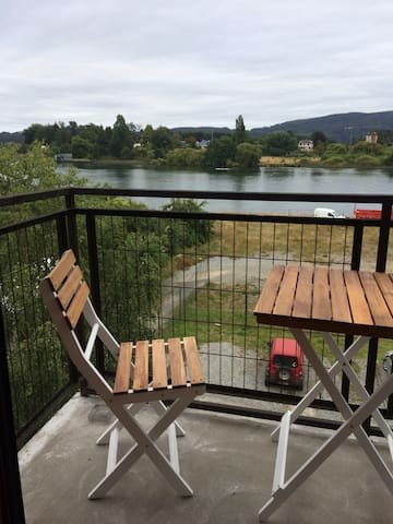 Loft by the river, steps from DWTN - Valdivia - Byt