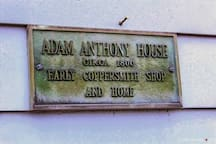 Adam Anthony House. Walk to everything downtown!