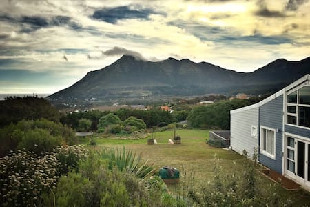 Lovely room in beautiful Noordhoek, Cape Town - Ciutat del Cap - Casa