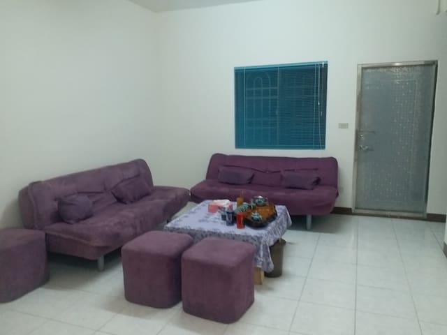三樓交誼廳暨沙發床