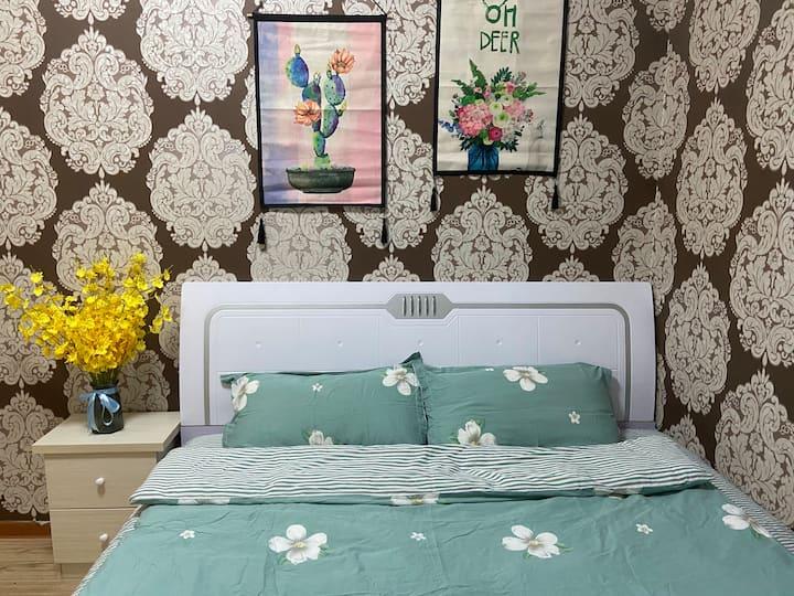 一室一厅大床房,温馨装修,可做饭