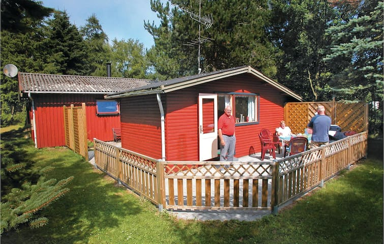 Holiday cottage with 2 bedrooms on 53m² in Gedser