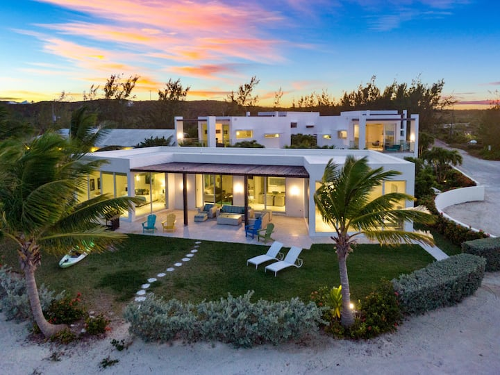 Amazing Beach Villa at Casa Del Mar, Exuma