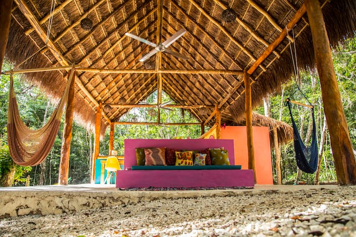 Jungle Eco lodge-LUMAPI cabana 1