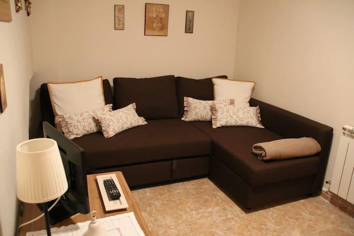 Sofá cama en bodega