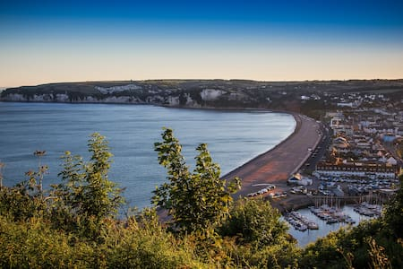 Jurassic Coast Beach townhouse - Seaton
